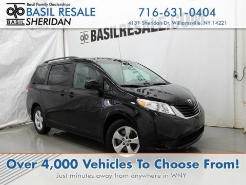 Pre-Owned 2014 Toyota Sienna LE AAS